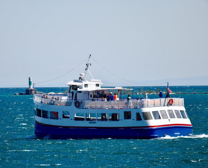 在密执安湖的游览小船 库存照片
