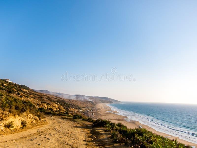 在对海滩的途中, Asilah,摩洛哥 免版税库存图片