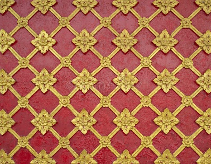 在寺庙墙壁上的一般泰国传统艺术灰泥样式 库存照片