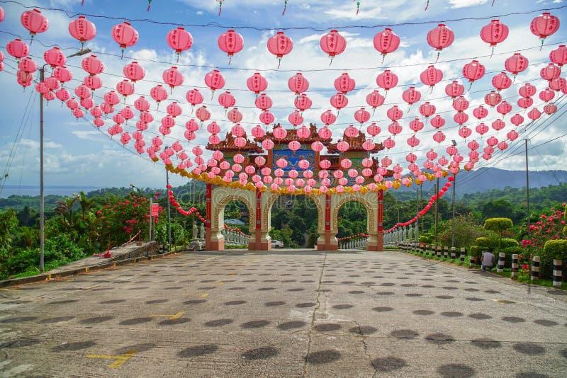 在寺庙的中国门 免版税库存图片