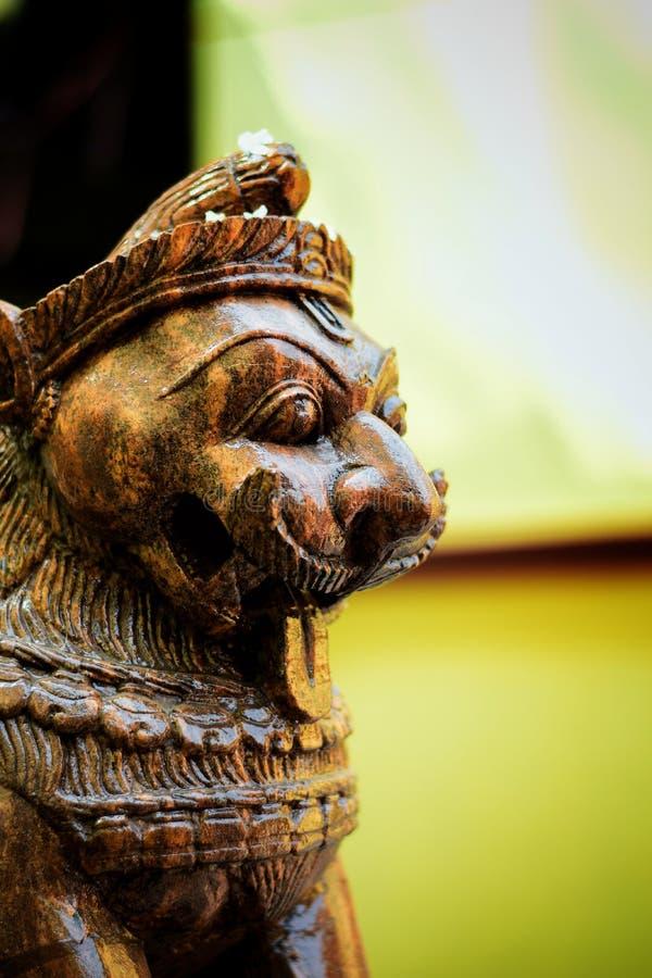 在寺庙的狮子雕象 免版税库存照片
