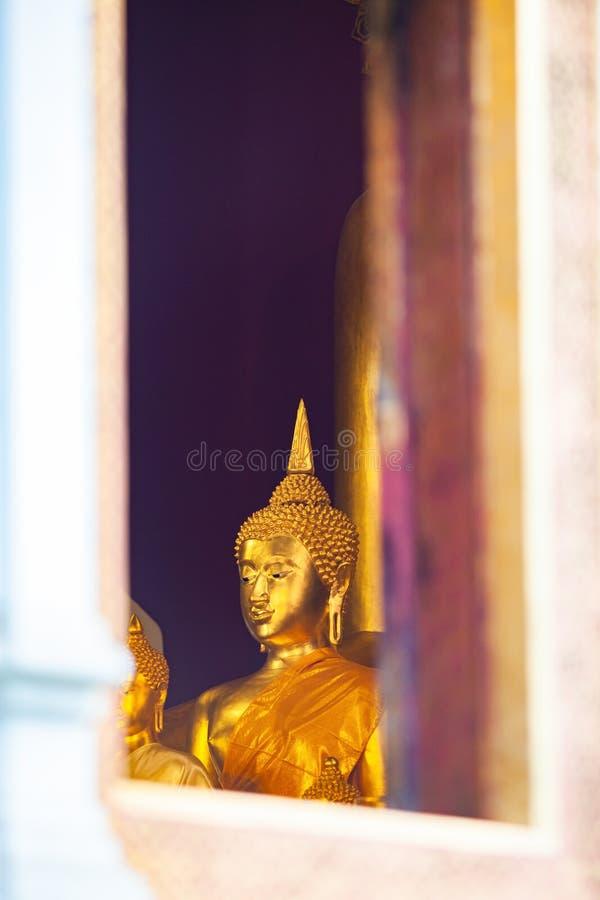 在寺庙的菩萨雕象,清迈泰国 免版税库存照片