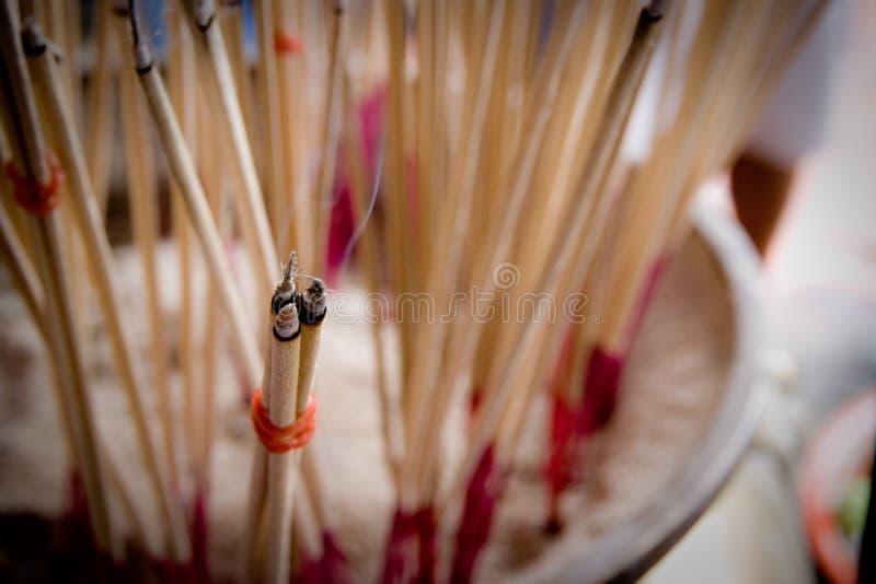 在寺庙的香火 库存照片