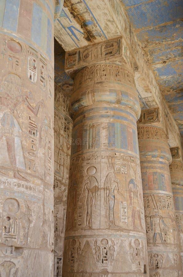 在寺庙里面的列esna 免版税库存照片