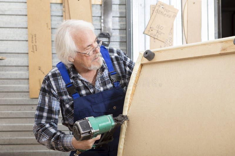 在小家具工厂的手工制造事务 免版税库存照片