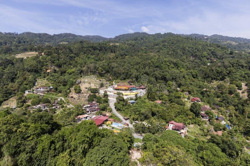 在小山的住宅区在槟榔岛,马来西亚附近 免版税库存照片