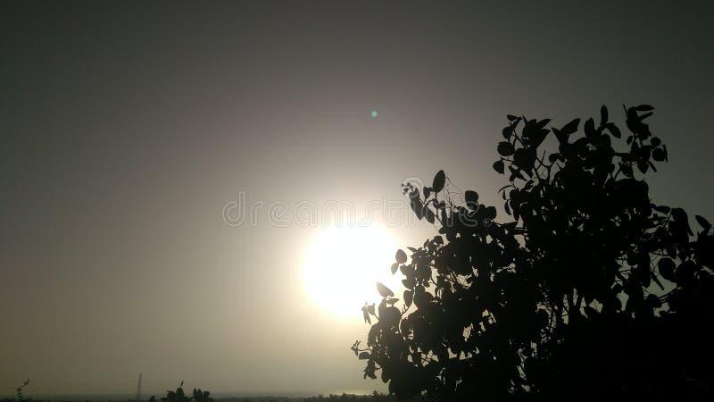在小山的日落点 库存图片