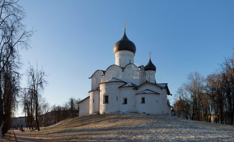 在小山的St蓬蒿在普斯克夫 免版税库存图片