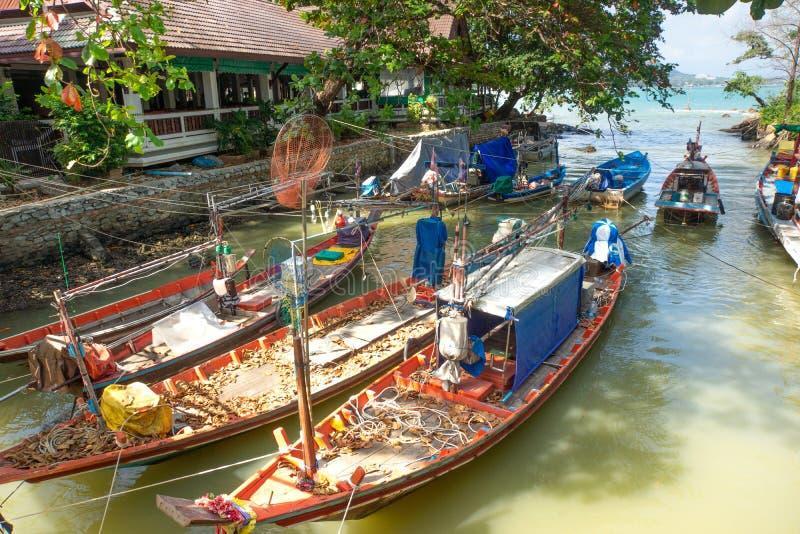 在小海湾的渔船 免版税库存图片