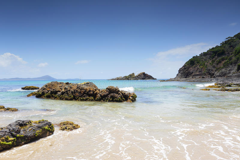 在小船海滩封印的亦称Statis岩石最基本的岩石晃动NSW Aust 免版税库存照片