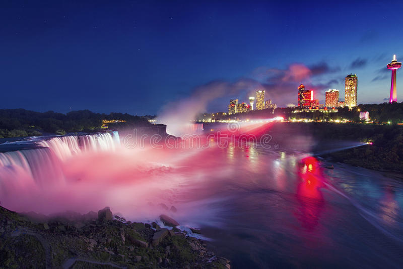 在尼亚加拉瀑布和美国秋天, Newyork,美国的夜 库存图片