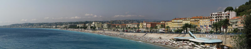 在尼斯、法国和散步des Anglais、彻特d'Azur和地中海的全景海滩 图库摄影