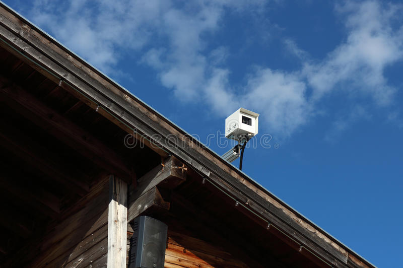 在屋顶的大网络摄影 免版税图库摄影