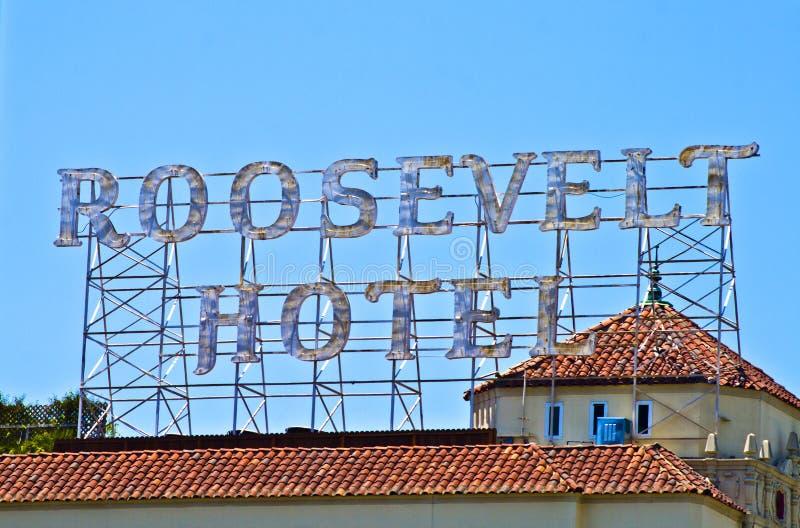 在屋顶的标志在好莱坞促进著名罗斯福旅馆 图库摄影