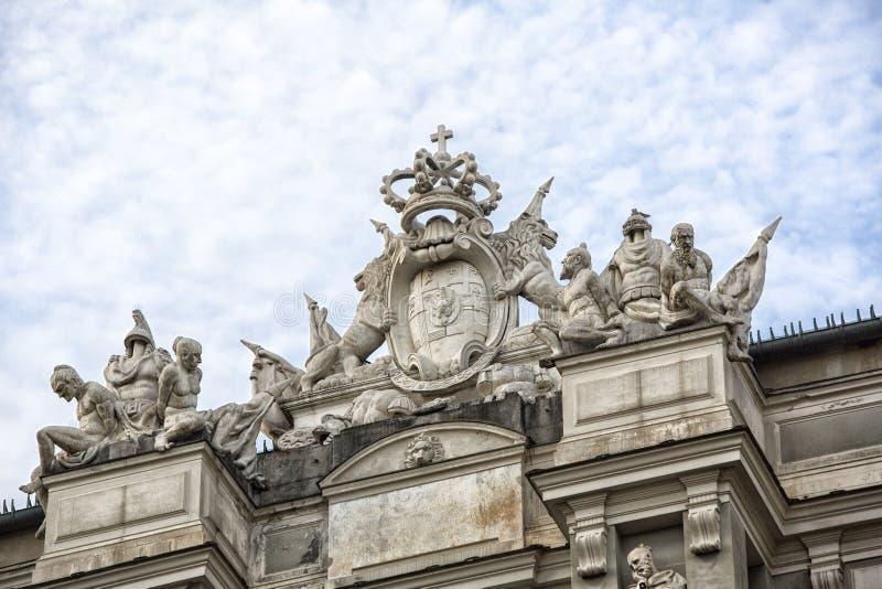 在屋顶的装饰 免版税图库摄影