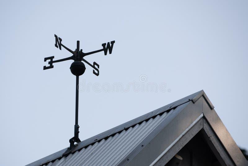 在屋顶的风向 库存图片
