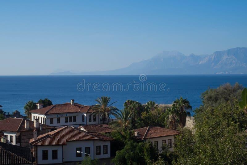 在山和地中海的看法 库存图片