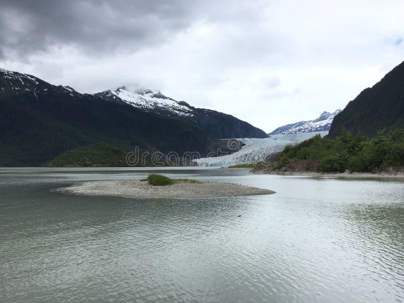 在山的冰川 免版税库存照片