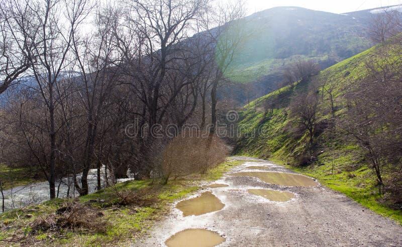 在山的土路露天 图库摄影
