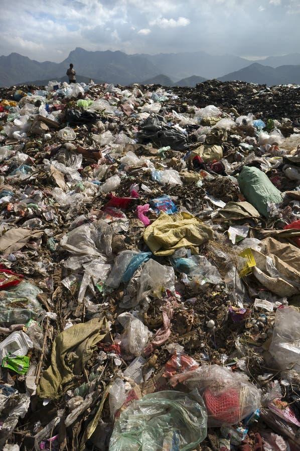 在山的垃圾堆 免版税库存照片