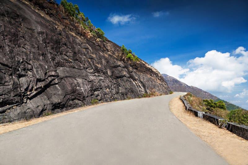 在山的好路 库存图片