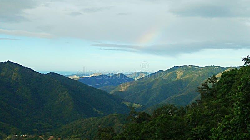 在山的峰顶的看法 库存图片