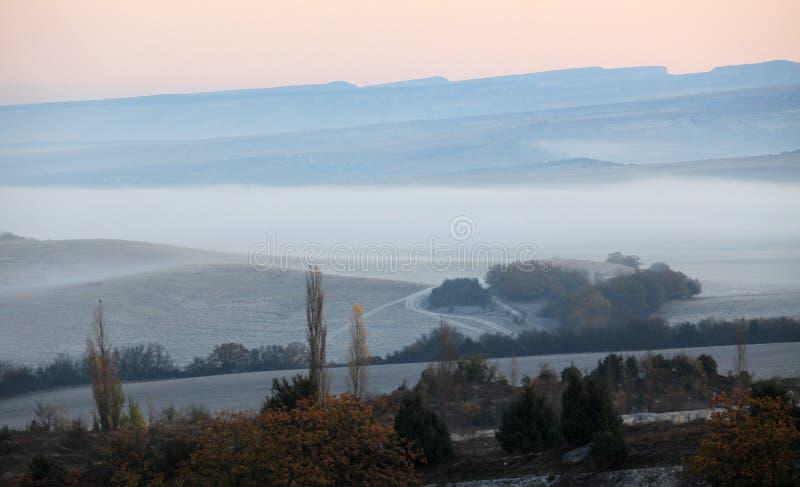 在山的日出。 免版税图库摄影