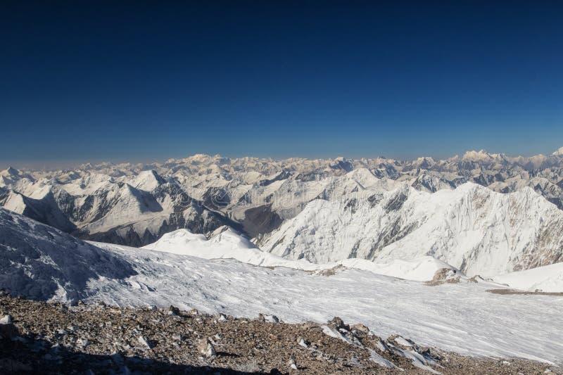 在山的看法从列宁峰 库存图片