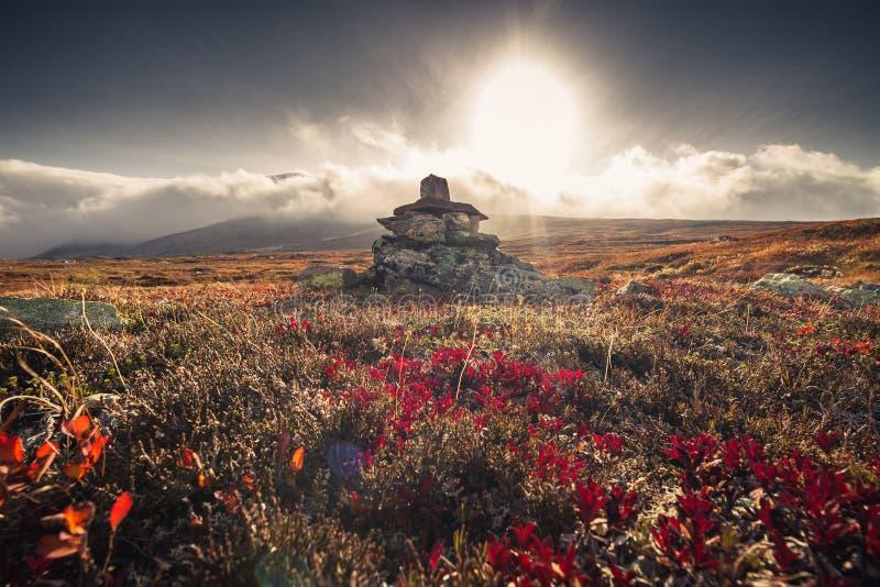 在山的秋天 Sylan在挪威,岩石动机 免版税库存图片