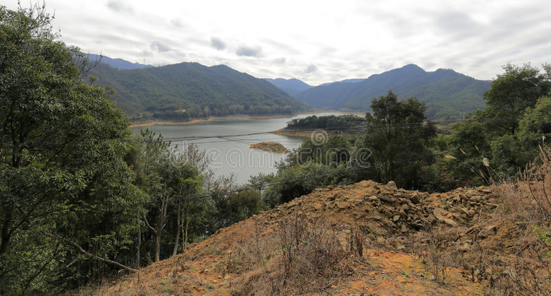 在山的水库 免版税图库摄影