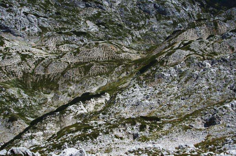 在山的Moonscape II 摘要,朱利安阿尔卑斯山 免版税图库摄影