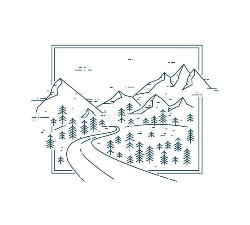 在山脉的弯曲的路在树中 免版税库存照片