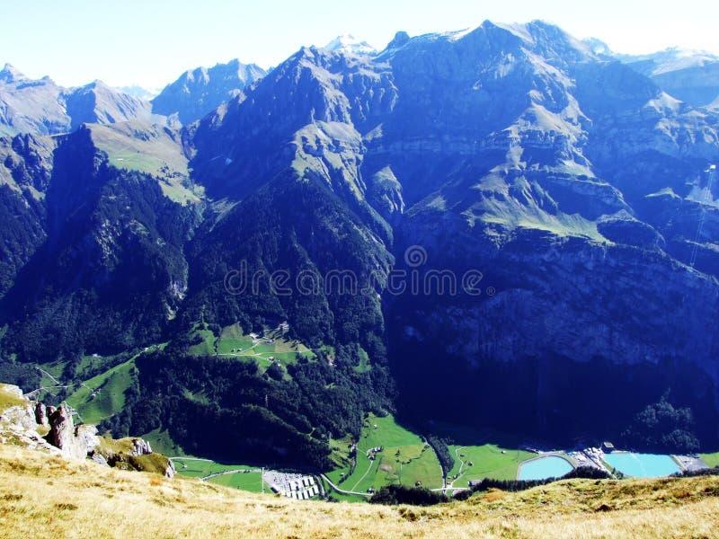 在山高原Unter和奥伯鲍姆加滕的看法 免版税库存照片