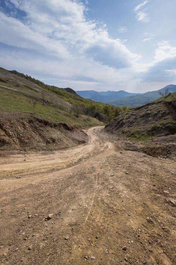 在岩石中的路在高原在克里米亚 库存图片