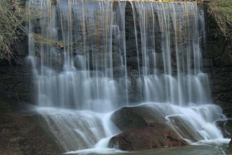 在岩石瀑布的级联的佐治亚 免版税图库摄影