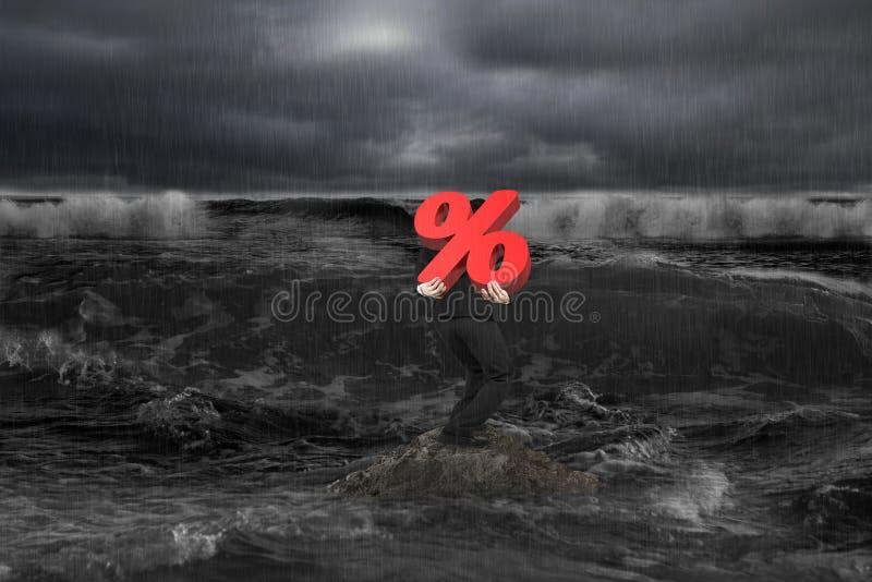 在岩石的商人运载的百分比3D标志在黑暗的海洋 库存例证