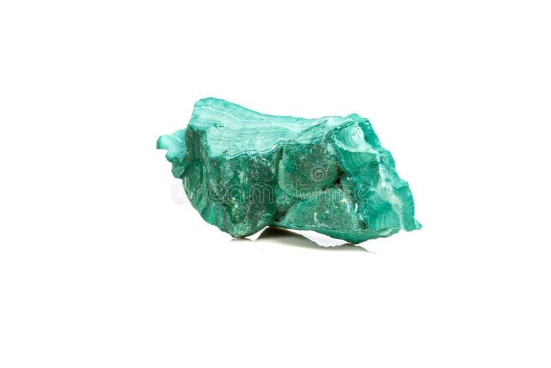 在岩石的宏观矿物石绿沸铜在白色背景 免版税库存图片