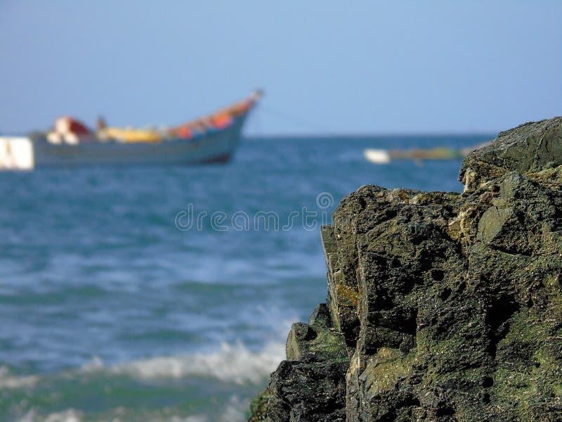 在岸的岩石 库存图片