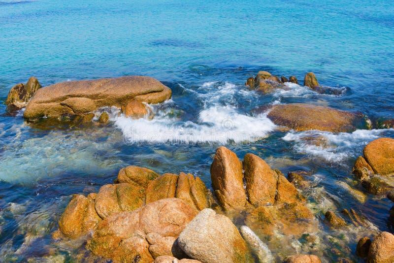 在岸9的岩石 图库摄影