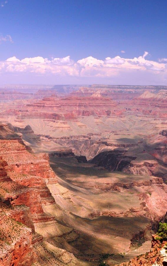 在峡谷的云彩 免版税库存图片
