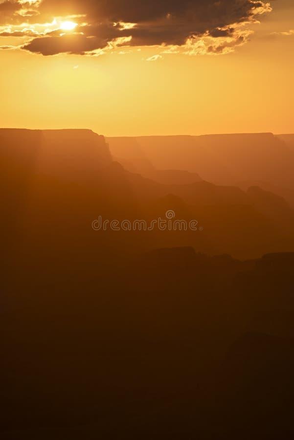 在峡谷的夏天日落 库存图片