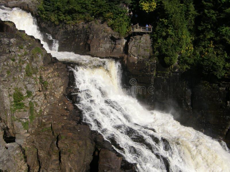 在峡谷Ste安妮的瀑布在魁北克 免版税图库摄影