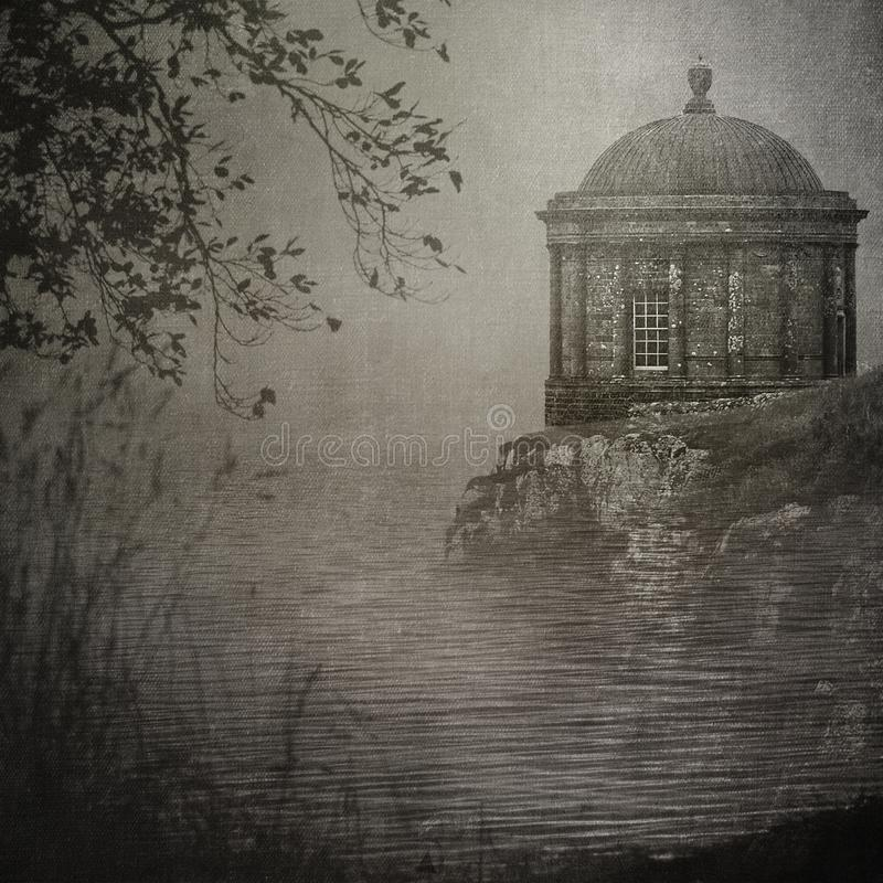 在峭壁` s边缘的Mussenden寺庙 库存图片