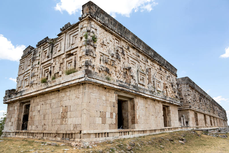 在州长宫殿的玛雅建筑细节在乌斯马尔 库存图片