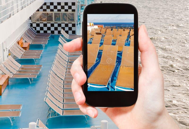在巡航划线员的旅游照片放松区域 免版税库存图片