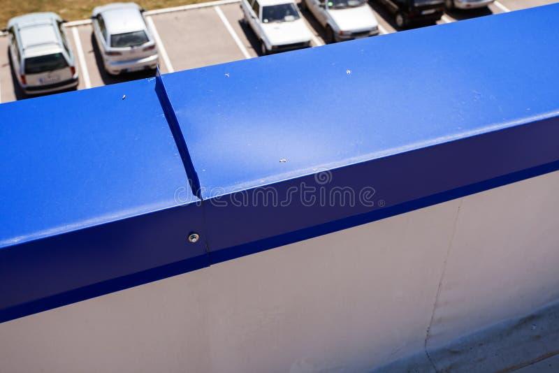 在工业大厅的屋顶平台 库存照片