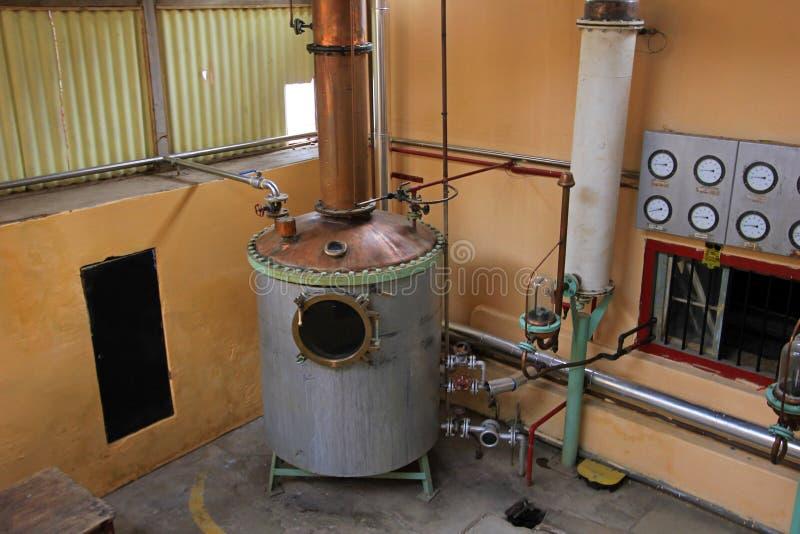 在工厂, Elqui谷,智利的Pisco生产 免版税库存图片