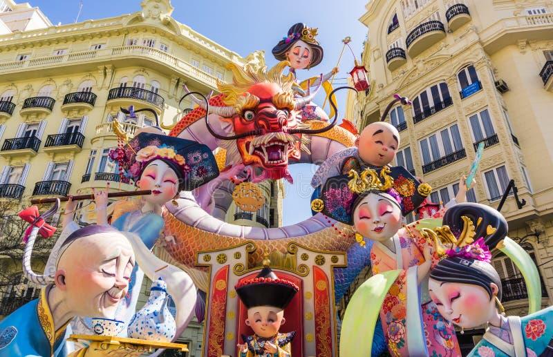 在巴伦西亚,西班牙街道的Las法里亚斯节日巨型纸mache雕塑  图库摄影