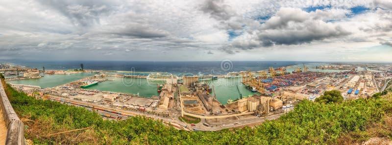 在巴塞罗那,卡塔龙尼亚,温泉港的全景鸟瞰图  库存照片