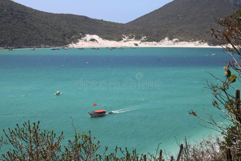 在巴西人的一条小船看见 免版税库存图片